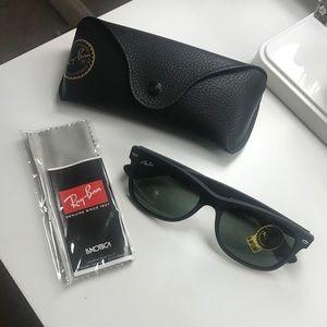 Ray Ban New Wayfarer Sunglasses RB2132